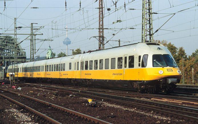 Arnold 0180 Lufthansa Airport Express 8